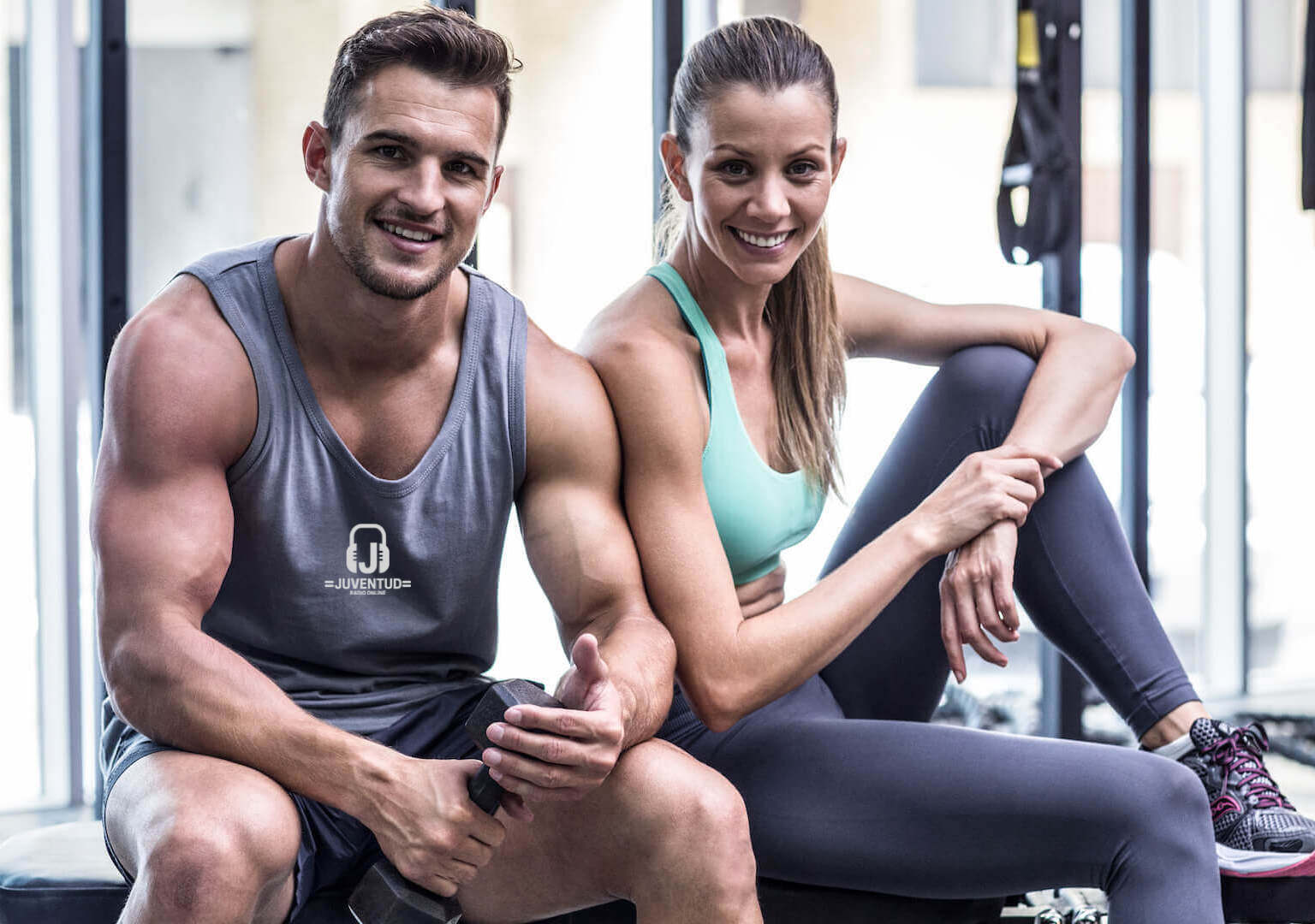 couple-smiling-at-gym